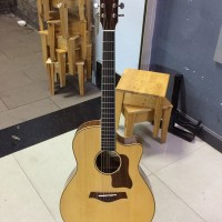 Acoustic Taylor D400 Bóng