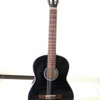 Classic guitar đen DVE85C