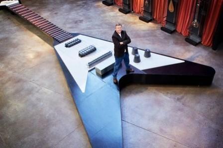 Cây đàn guitar điện kỷ lục